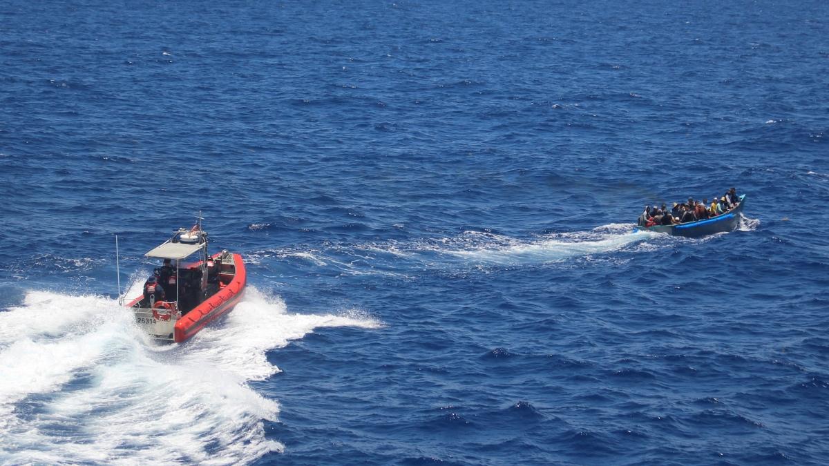 Guardia Costera de EEUU repatria a 82 migrantes ilegales de Cuba